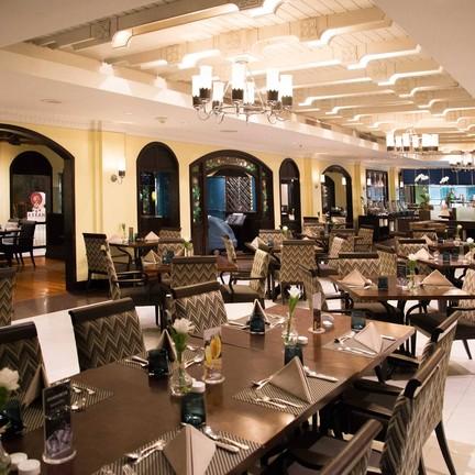 ห้องอาหาร ปทุมมาศ โรงแรม เดอะ สุโกศ