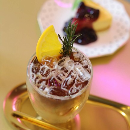 Isara boutique hotel & cafe
