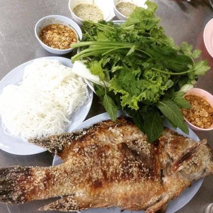 ราชาเมี่ยงปลาเผา เจ๊กุ้ง รามคำแหง 24 (หลังราม)