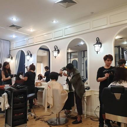 Buya Salon เอ็กซ์เชนจ์ทาวเวอร์