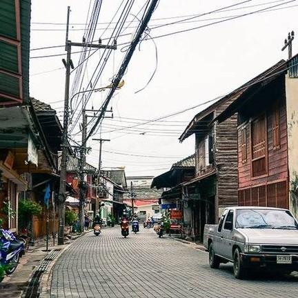 ถนนยมจินดา