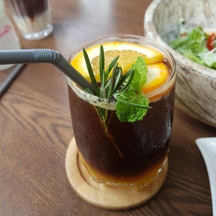 Pee Neung Coffee House