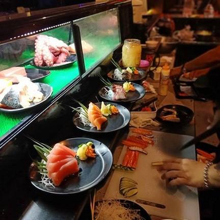 บาร์อาหารญี่ปุ่น หลากหลายรายการทั้งปิ้งและทอด