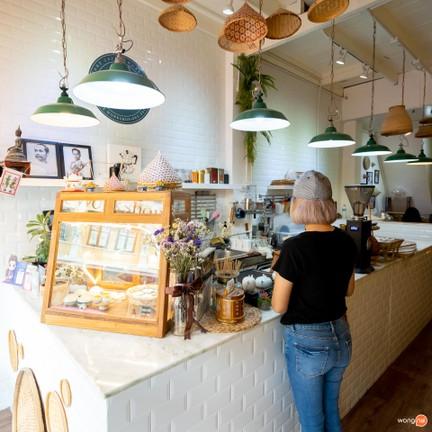 ขนมไทยเสน่ห์ คาเฟ่ต์ (Sane Cafe and Workshop) อิสรภาพ