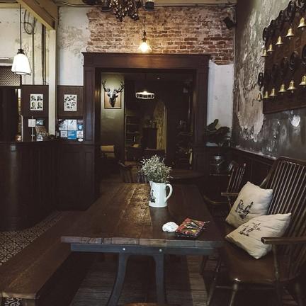 petit peyton traveloque cafe