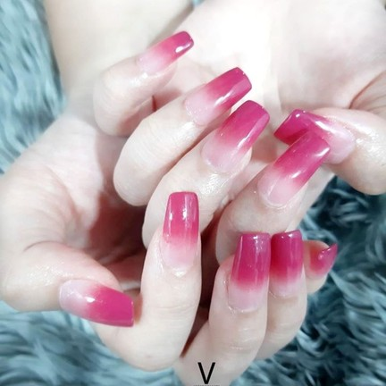 Vara's Nails Spa and beyond