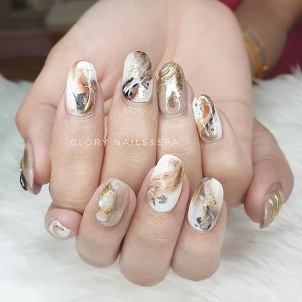 https://www.facebook.com/glorynailsandspabkk/