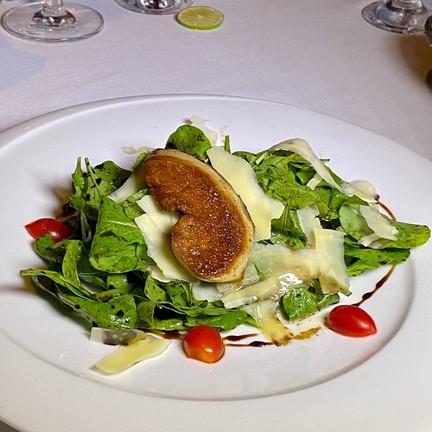 Rocket Salad Topped Foigras ชิ้นอวบสุด!