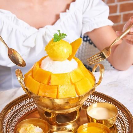 Mango Yellow Cafe สวนน้ำบลูทรี (เชิงทะเล)