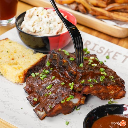 Smoked BBQ Pork Ribs ราคา 555 บาท