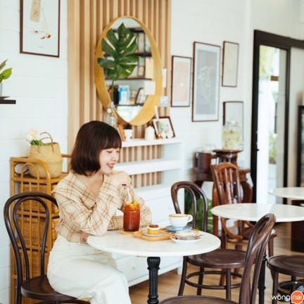 จิบชา นั่งชิล ฟินกับเค้กคีโต มองวิวไปกินไป รู้สึกได้พักผ่อนจริง ๆ
