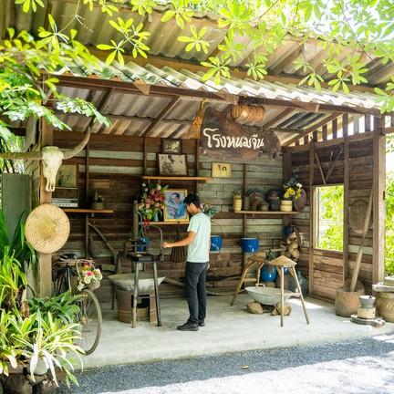 ขนมจีนเมืองคอน ริมคลอง