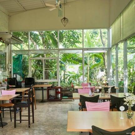 Aoywaan Riverside Thai cuisine