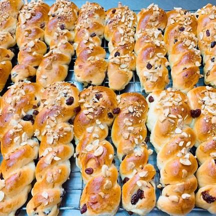 ขนมปังเกลียวลูกเกด