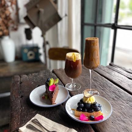 Cocoa Romano, Kanvela59, Dark Chocolate Cake และ Lemon Tart