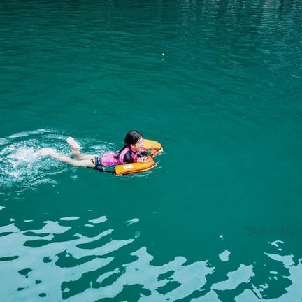 น้ำทะเลสีเขียวมรกต