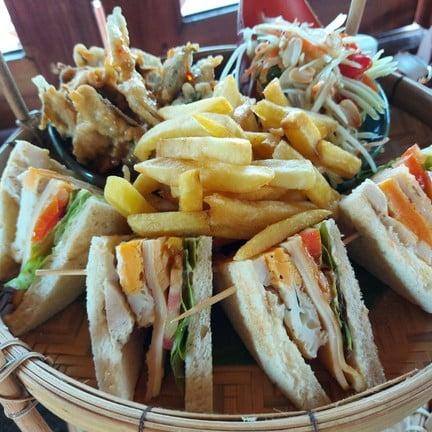 Na Mi Chay Cafe & Restaurant