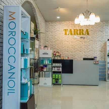 Tarra Hair stylist