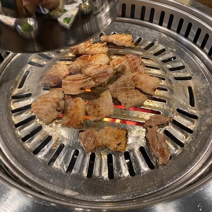 หมูนิ่ม รสชาติดี ทานได้ง่ายกินง่าย ไม่เหนียว ทานได้สะดวกดี ทานกับผักกำลังดี ไม่เ