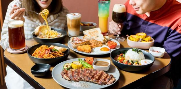 [รีวิว] Smiling Coffee and Steak คาเฟ่มินิมอล นั่งยาว ๆ เช้าจนดึก