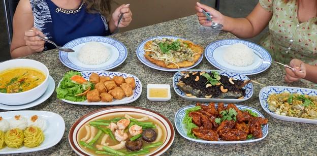 [รีวิว] นายดำ ร้านอาหารไทย-จีน ภูเก็ต ส่งต่อสูตรเด็ดมากว่า 21 ปี!