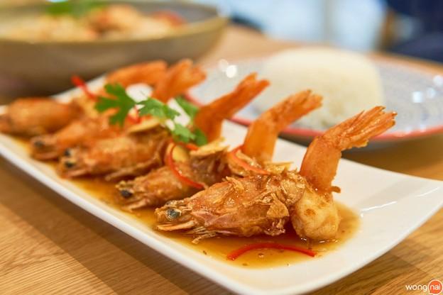 เซตอาหารไทย 3 เมนูคุ้ม ๆ นำทีมด้วยกุ้งซอสมะขามและต้มยำทะเล