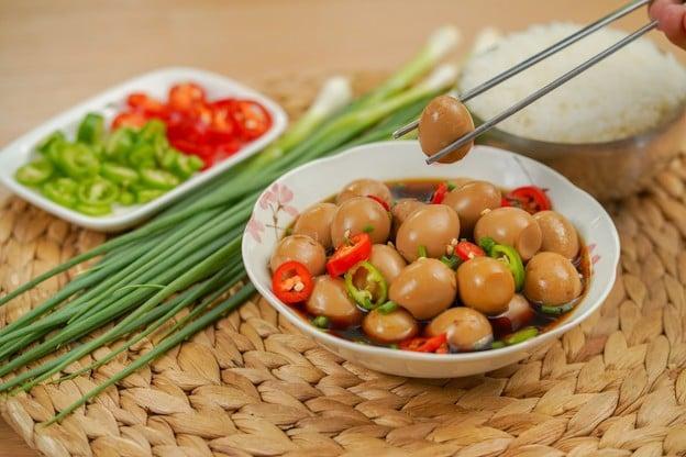 """วิธีทำ """"ไข่ดองซีอิ๊ว"""" เมนูอาหารเกาหลี ทำง่าย รสเด็ดจนคุณต้องหลงรัก!"""
