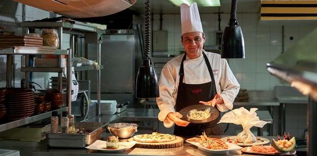 Terrazza ร้านอาหารอิตาเลียน ริมสระหรู พร้อมอาหารรสเลิศ