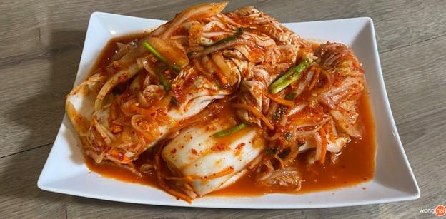 """วิธีทำ """"กิมจิทั้งหัว"""" เมนูอาหารเกาหลี เด็ดฟิน แดจังกึมยังอึ้ง!"""