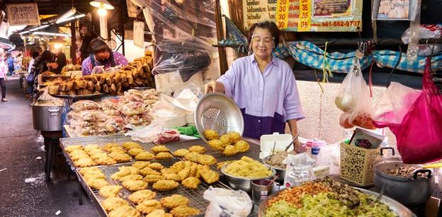 อิ่วก้วย เจ๊เกียว ขนมกินเล่นจีนโบราณ อายุกว่า 130 ปี กินหรือไหว้ก็เฮง!