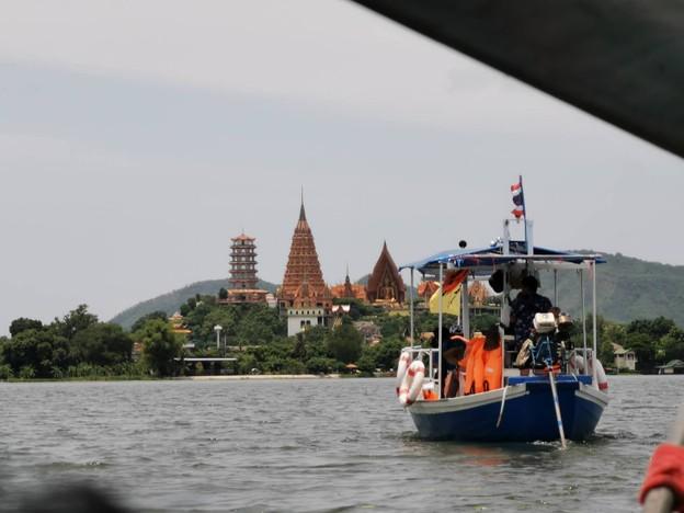 ท่าม่วงบ้านชั้น 1 วัน ล่องเรือท่องเที่ยวทางน้ำ