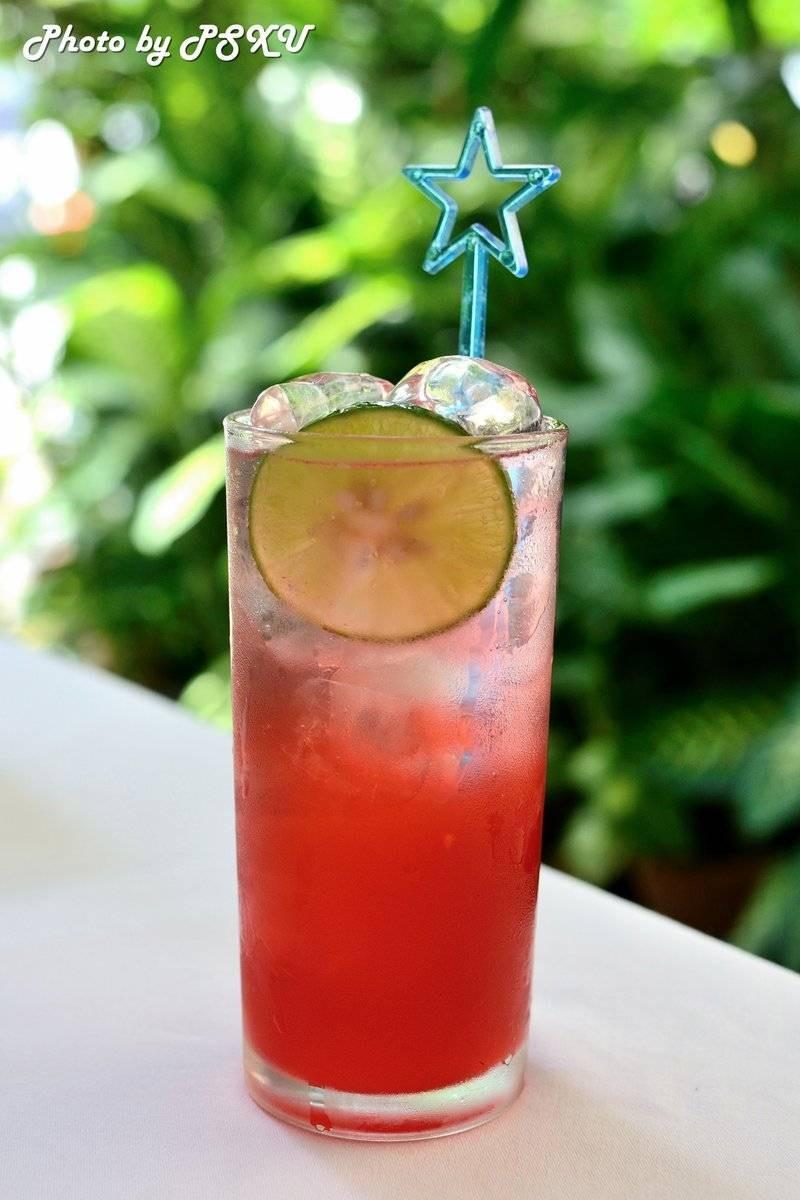 สุรีย์ฉาน : น้ำมะนาว+น้ำทับทิม โซดา