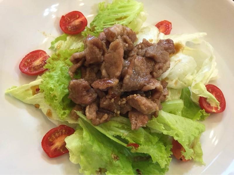 Bulgogi Salad ราคา 100 บาท