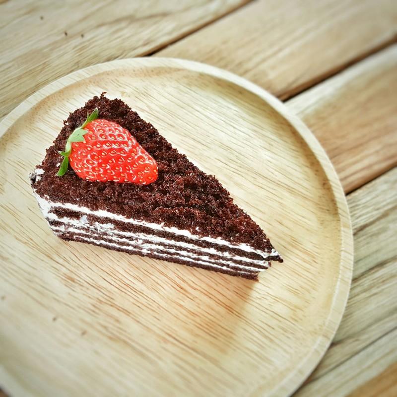 เค้กอร่อย ครีมจะไลท์ๆ แม้ร้านเล็กแต่น่ารักดี