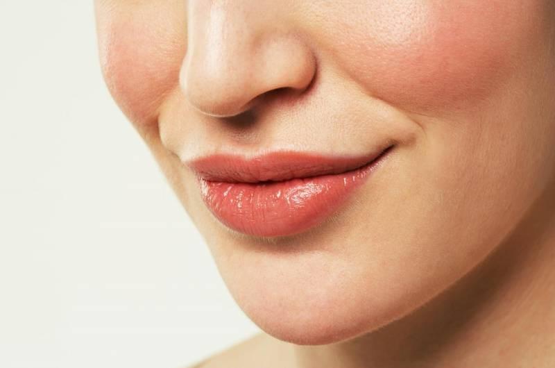 ตกแต่งปากกระจับสามมิติ ยกมุมปาก และเสริมจมูก ด้วยเทคนิคเฉพาะของร.พ.