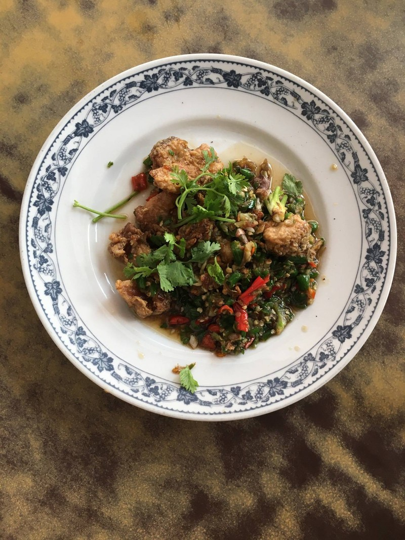 เนื้อปลากระพงผัดพริกตำ