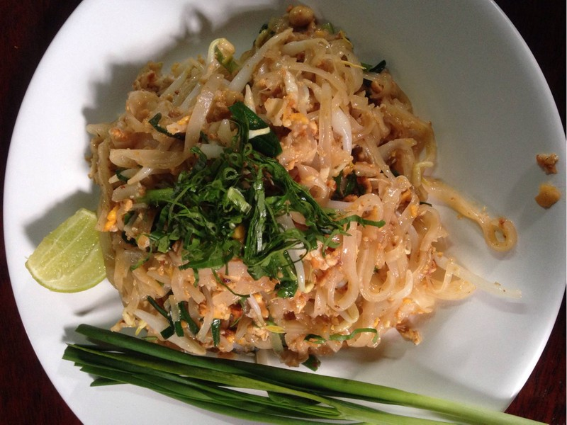 ผัดไทยหมูทอด