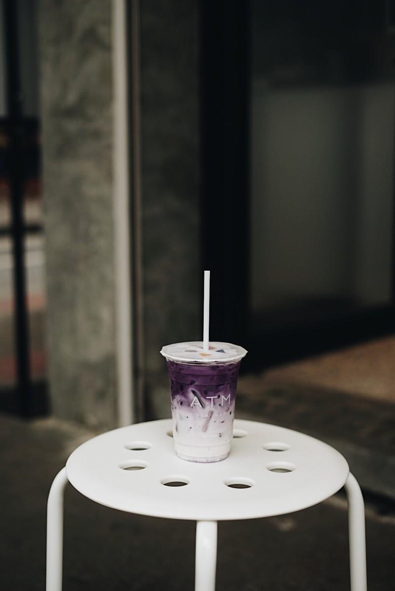 Charcoal Tea Latte ชานมสดชาร์โคล