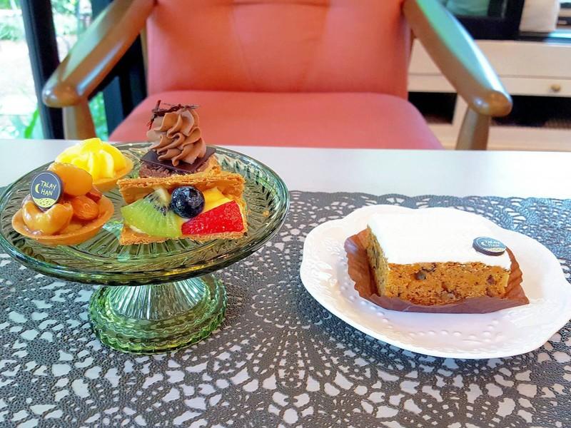 petit four และ แครอทเค้ก