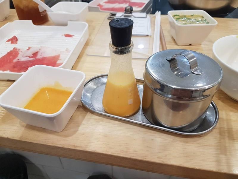 ☆☆☆☆ซุปกับซอสใหม่ น้ำเหลวๆ รสครีมๆเหมือนหางวัว แต่เป็นกลิ่นชีส