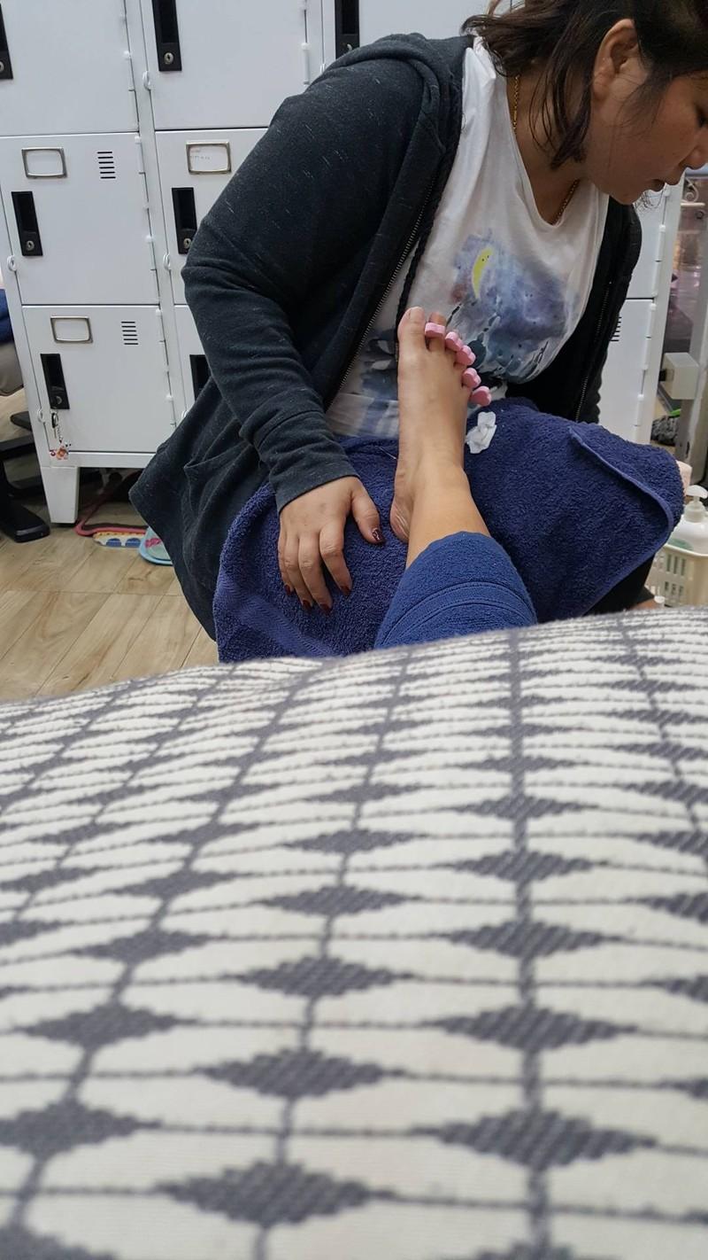 ทำเล็บเท้าราคา 400 ไม่ล้างเท้า ให้ก่อน ถ้าอยากให้ล้างเท้าต้องทำสปาแยก