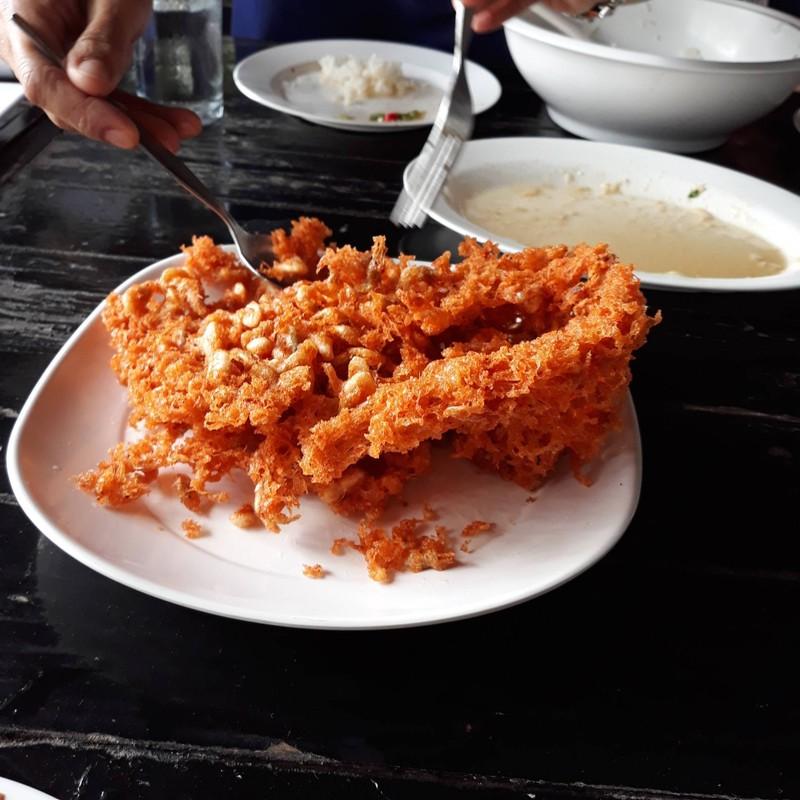 กุ้งทอดพริกแกง