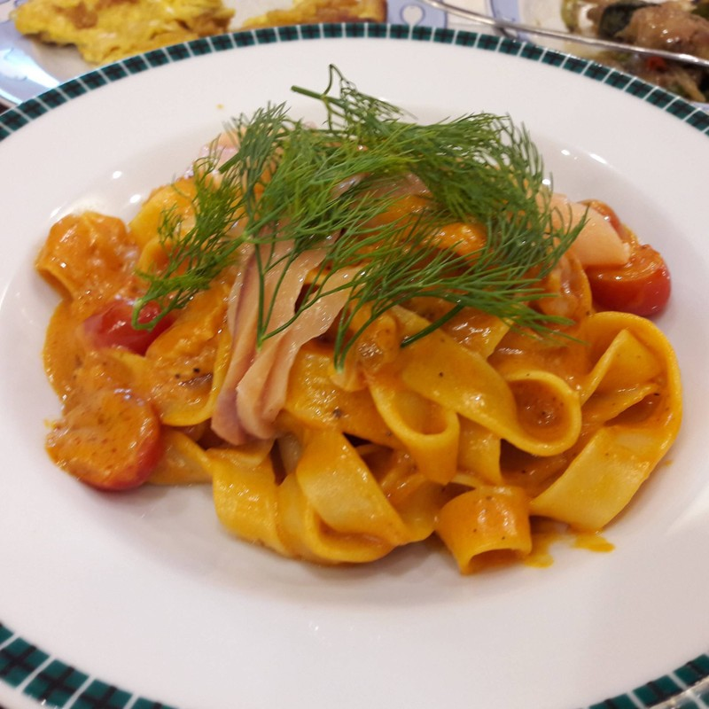 Fettuccine Smoked Salmon In Pink Sauce