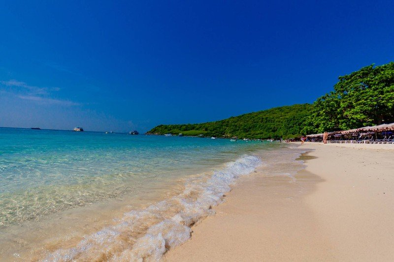 หาดสวยน้ำใส