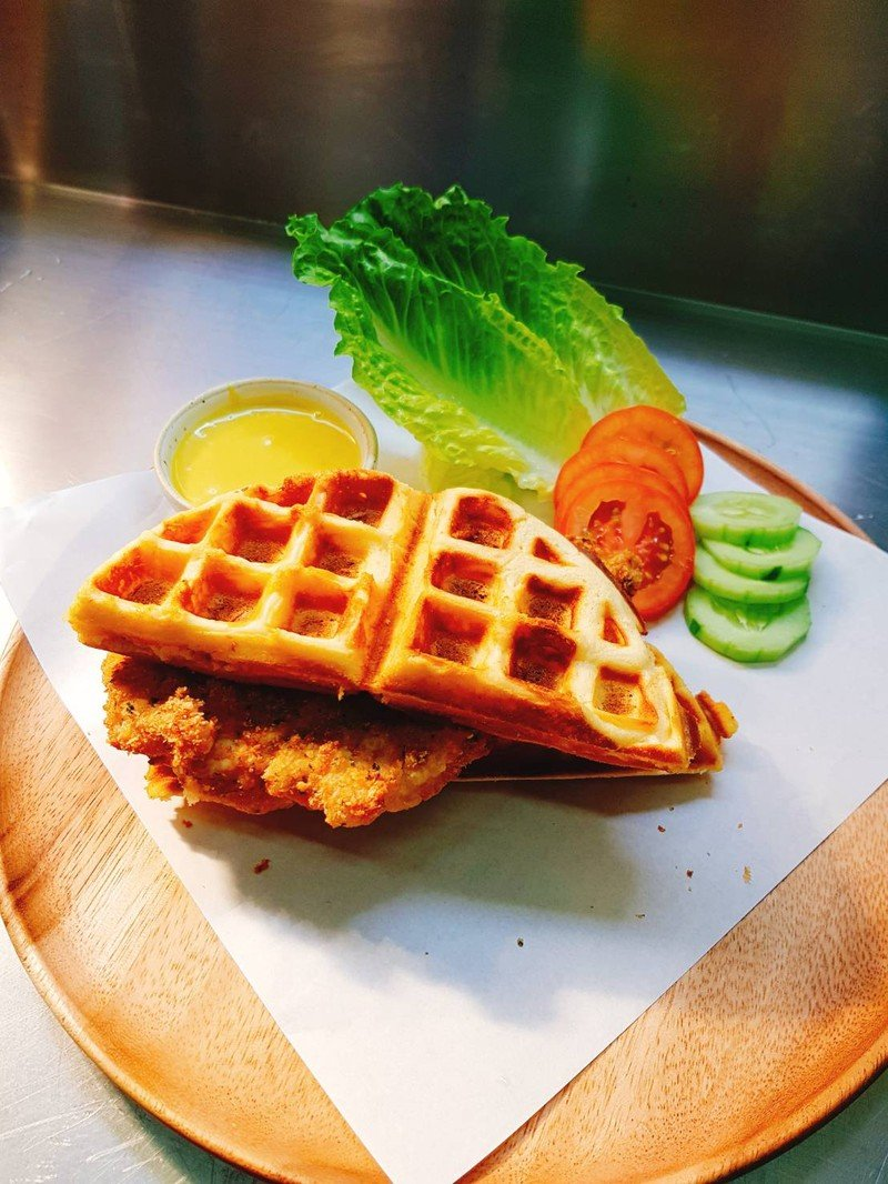 Fried chicken Waffle with Hot sauce
