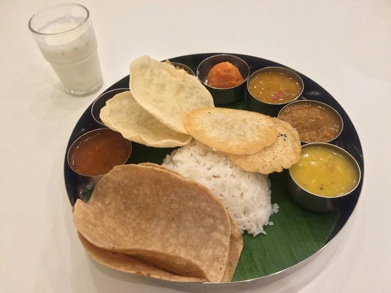 จาปาตี ข้าวสวยไทย และมินิอุตตะปัม