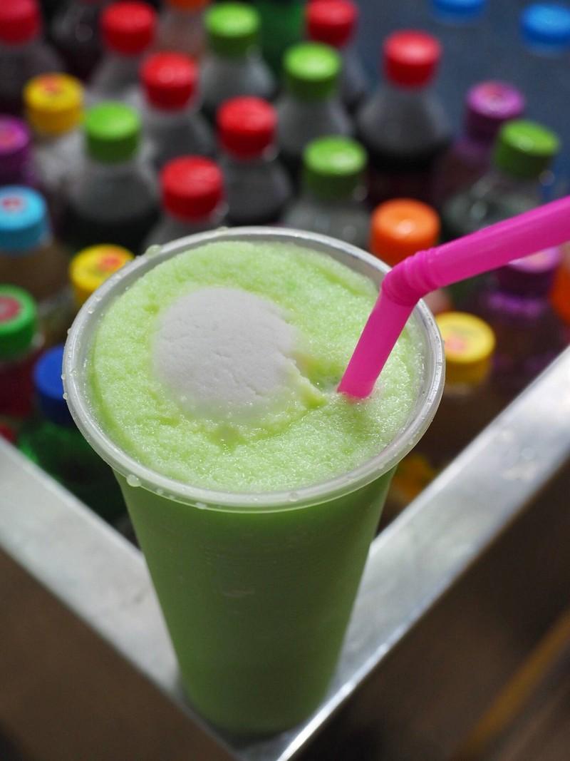 โซดาลอยไอศกรีม