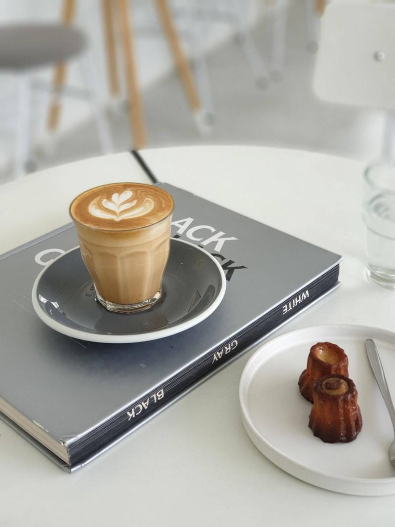 85฿ - กาแฟเม็ด house blend ไม่เข้มมาก ฟองนุ่มและรสชาติดี