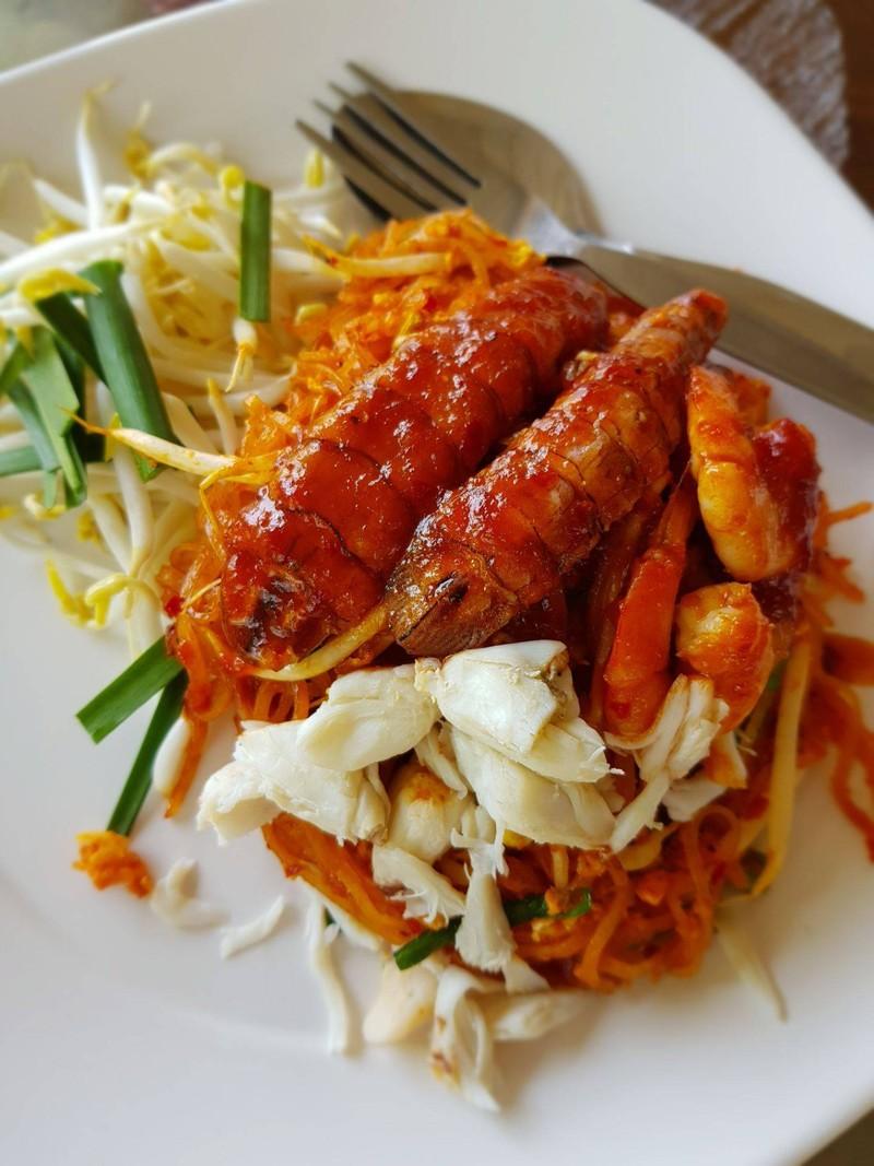 ผัดไทยปู กั้ง