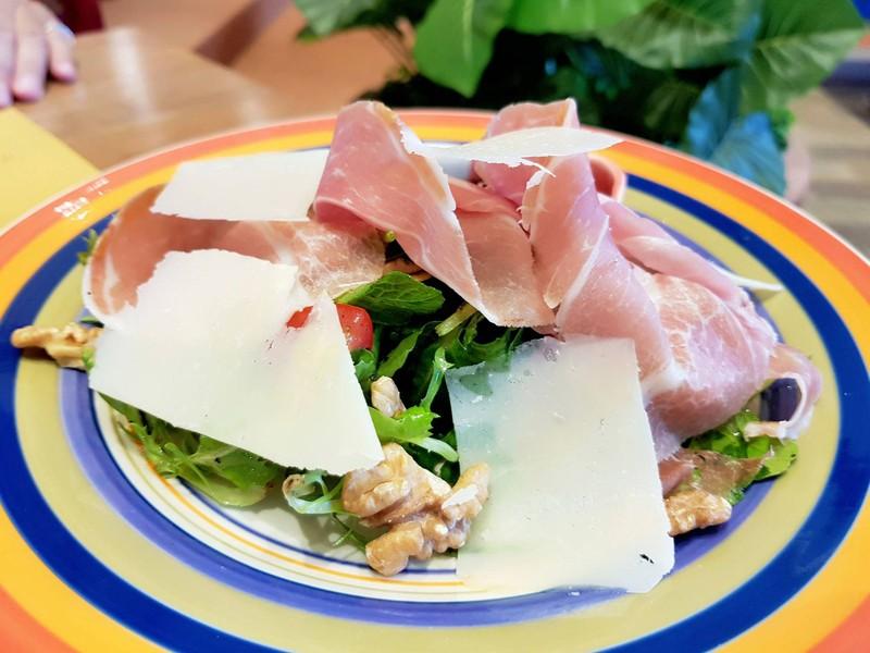 Chic Salad